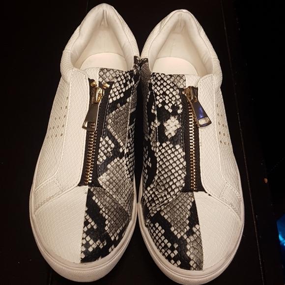 Snake-skin print, zip-up sneakers